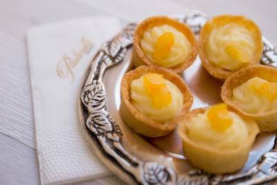 empada-de-queijo-brie-com-damasco-cardapio-buffet-paulinelli