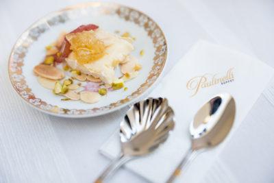sobremesa milfolhas-com-damasco-amendoas-sobremesa-cardapio-buffet-paulinelli